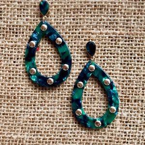 Jewelry - Green resin teardrop earrings